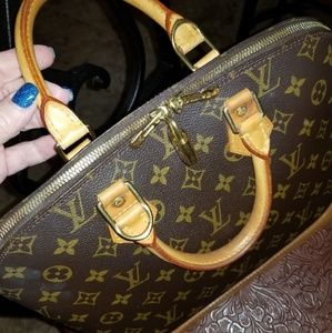 💋💄Louis Vuitton authentic Alma PM